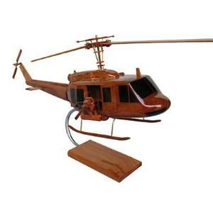 Toys and Models NMUH1 UH 1 Iroquois 1 33 scale model Toys & Games