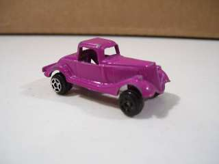 VINTAGE TOOTSIETOY PURPLE FORD VICKY DIECAST CAR MADE IN USA